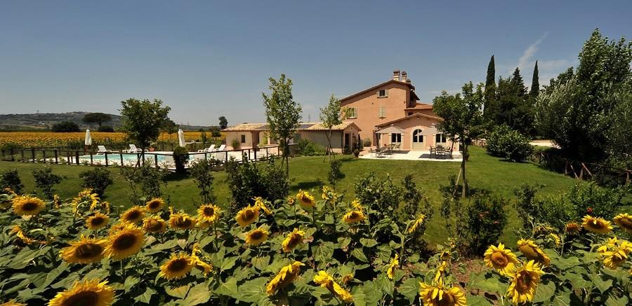 Country House in Umbria lungo il fiume Clitunno
